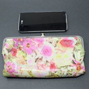 Hobo International Clutch Wallet in Floral Leather